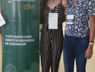 Egressas do curso de Letras da FAPAM e de Pós em Mídias na Educçaão ministram oficina e apresentam artigo em congresso na UFMG